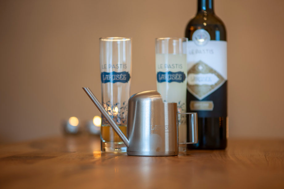 Pastis Glasflasche Gießkanne